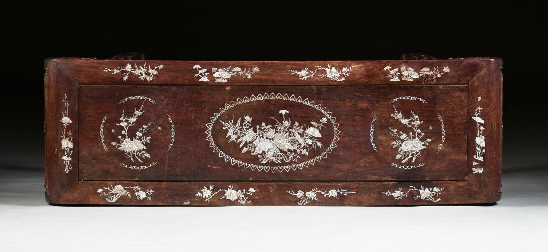 AN EXPORT MOTHER-OF-PEARL INLAID HONGMU ROSEWOOD ALTAR - 8