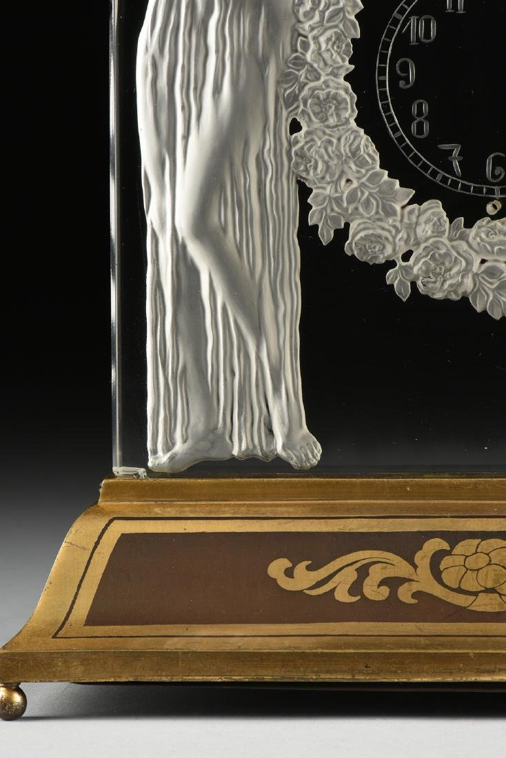 "AN ART DECO FROSTED GLASS CLOCK, ""Deux Figurines,"" RENÉ - 7"