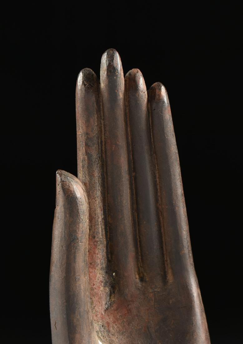 A SOUTHEAST ASIAN BRONZE BUDDHA HAND FRAGMENT, THAI, - 6