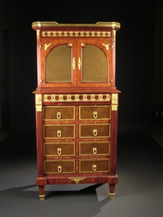 435: A LOUIS XVI STYLE GILT-BRONZE MOUNTED TULIPWOOD, P