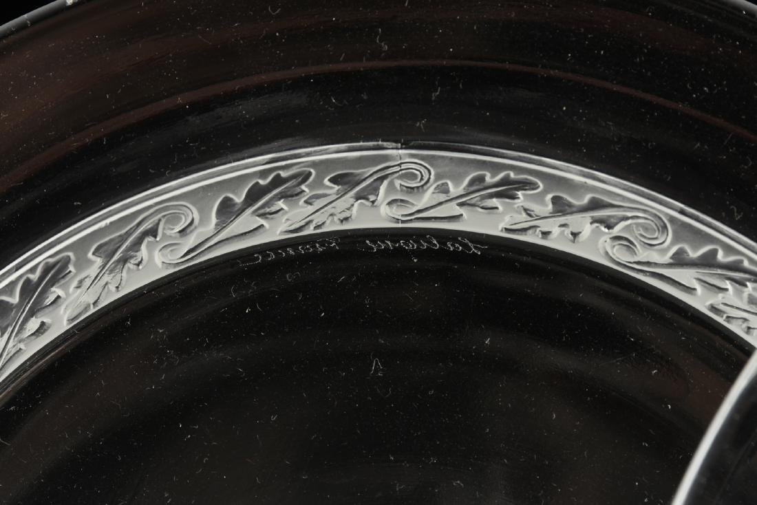 A GROUP OF FOUR LALIQUE CLEAR AND FROSTED GLASS TABLE - 2