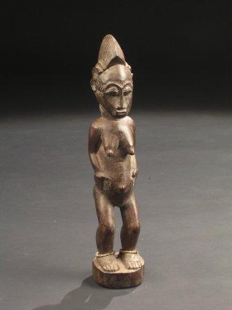 20: A 19TH CENTURY BAULE FEMALE FERTILITY FIGURE, Ivory