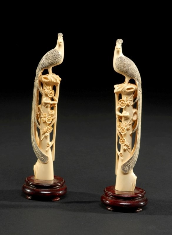 19: A PAIR OF QING DYNASTY /REPUBLIC IVORY PHEASANTS