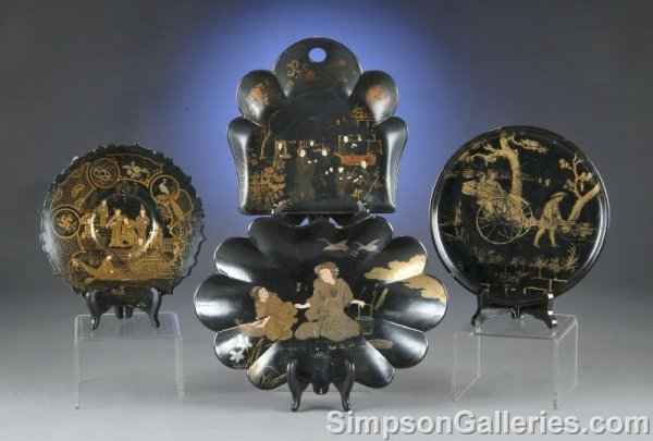 15: A GROUP OF FOUR CHINESE AND JAPANESE BLACK LACQUER