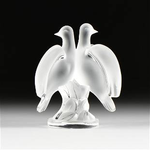 """A LALIQUE FROSTED CRYSTAL DOVES GROUP, """"ARIANE"""","""