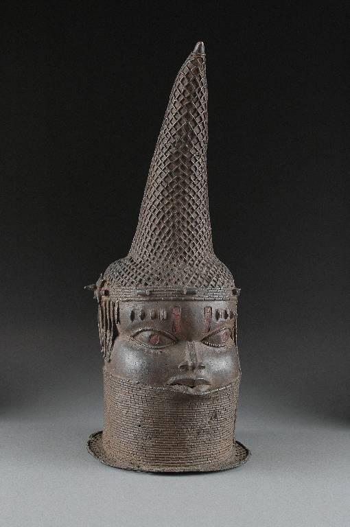 19: A BENIN BRONZE BUST OF A QUEEN MOTHER, 16TH/17TH CE