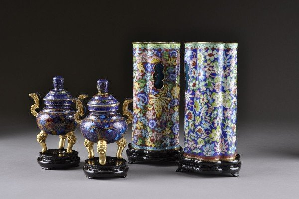 5: A GROUP OF FOUR CHINESE CLOISONNÉ WARES, 20TH CENTUR