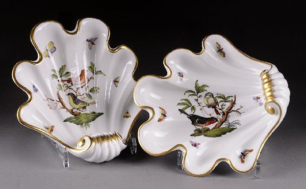 13: A PAIR OF HEREND ROTHSCHILD BIRDS' PATTERN SHELL FO