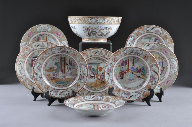 19: A SET OF NINE CHINESE EXPORT PORCELAIN WARES, 20TH