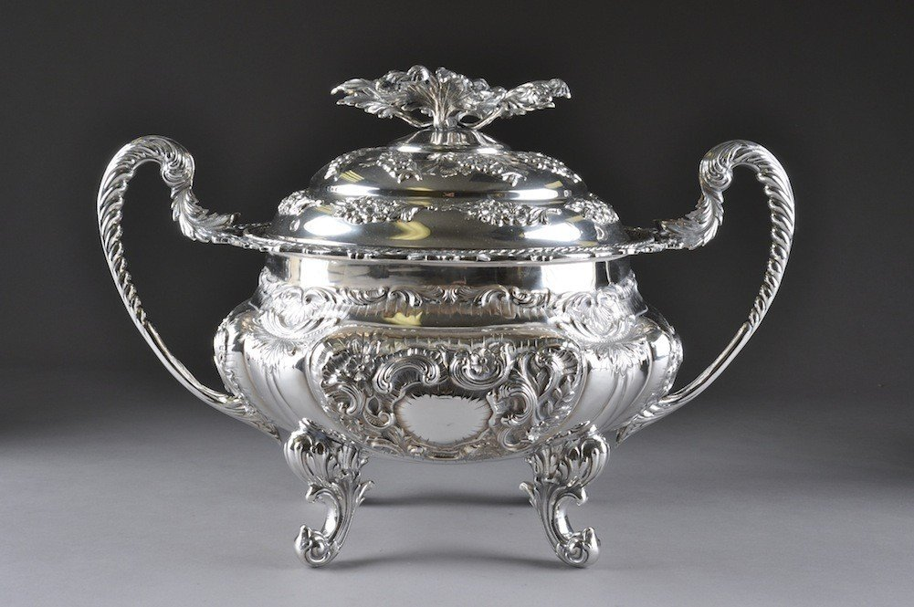 11: A FINE CONTINENTAL SILVER GEORGE III STYLE SOUP TUR
