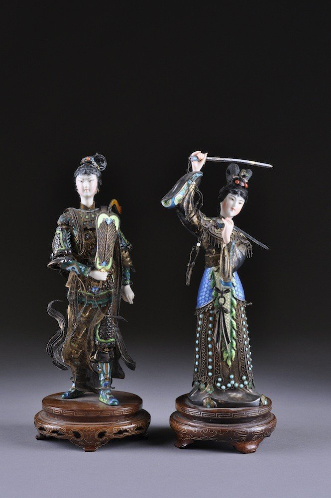 13: A PAIR OF CHINESE IVORY AND ENAMELED CLOISONNƒ SILV