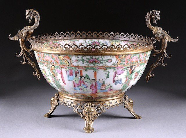 66: AN ANTIQUE GILT BRONZE MOUNTED CHINESE EXPORT ROSE