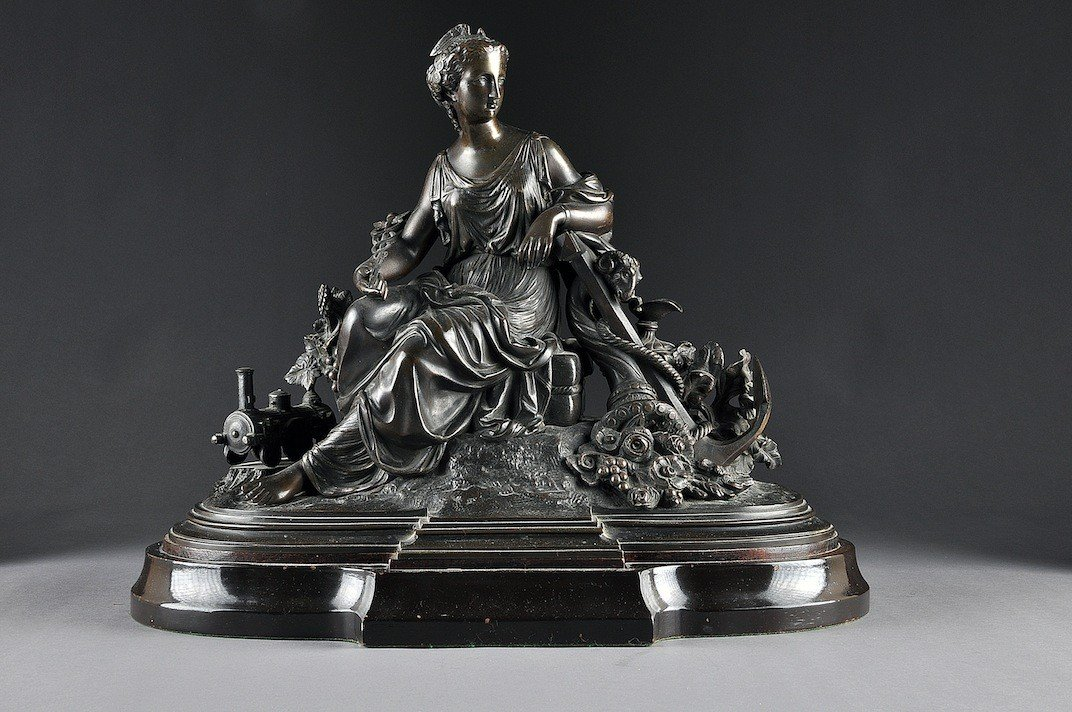 123: AN ANTIQUE FRENCH PATINATED BRONZE ALLEGORICAL GRO