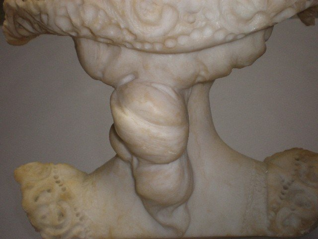 1I: A CARVED ALABASTER BUST OF A FEMALE - 5