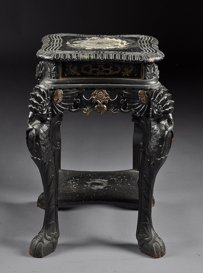 1K: A VINTAGE CHINESE EBONIZED AND CARVED WOOD PEDESTAL