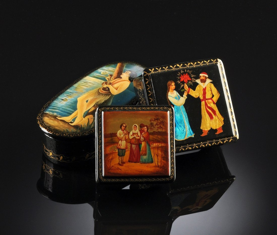 11:  THREE MINIATURE RUSSIAN HAND PAINTED AND LACQUERED