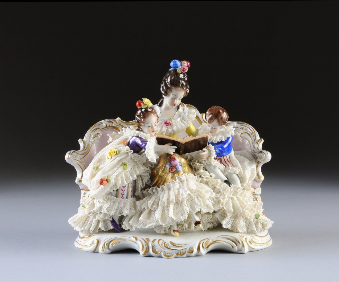 371:  A VOLKSTADT LACE CRINOLINE FIGURAL GROUP, GERMAN,