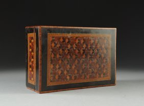 A VICTORIAN PARQUETRY JEWELRY BOX of rectangular form w