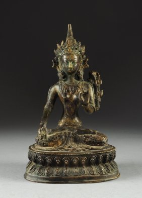 AN ANTIQUE BRONZE FIGURE OF SEATED TARA BODHISTTVA, QIN