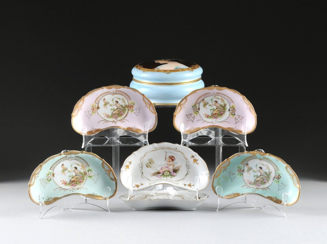 AN ASSEMBLED GROUP OF FRENCH POLYCHROME DECORATED PORCE
