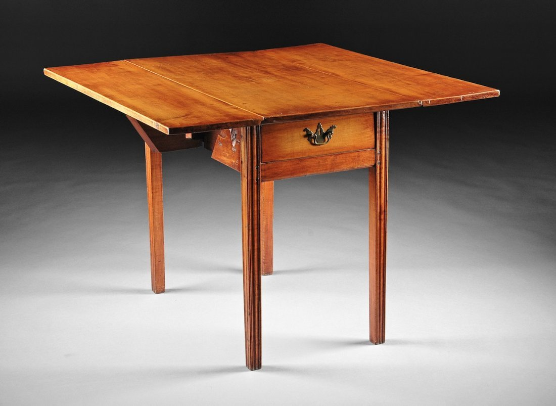 A CHIPPENDALE MAPLE PEMBROKE TABLE, NEW ENGLAND, LATE 1