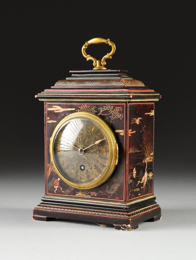 A FRENCH VERNIS MARTIN CHINOISERIE TABLE CLOCK, FIFTEEN