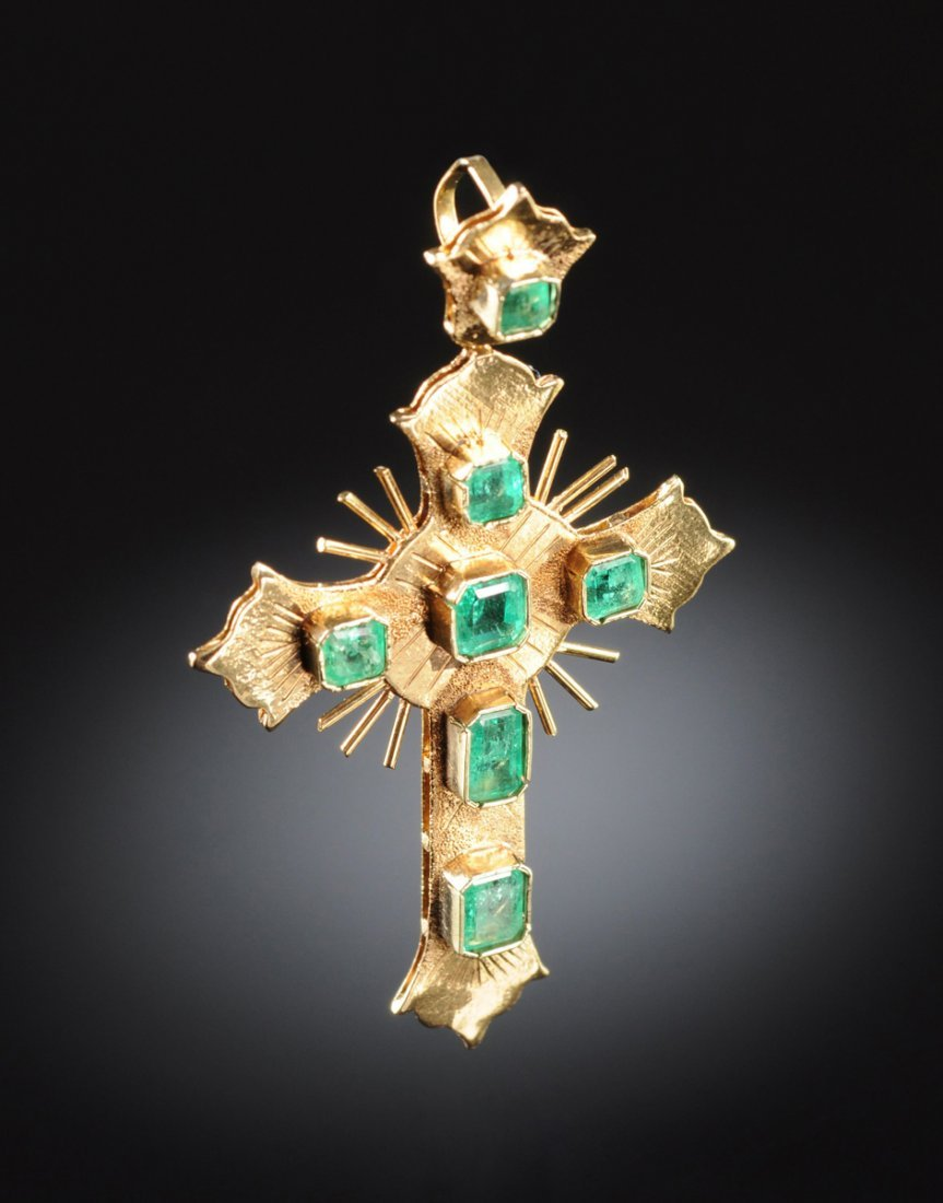"AN 18K YELLOW GOLD AND EMERALD LADY""S CROSS,"