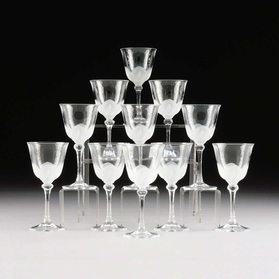 A SET OF TWELVE CRISTAL D'ARQUES-DURAND SATINE FROSTED