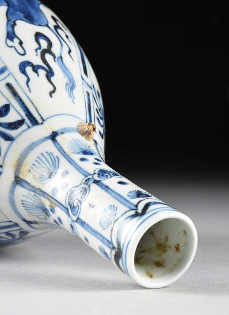 A CHINESE BLUE AND WHITE PORCELAIN PEAR FORM BOTTLE - 7