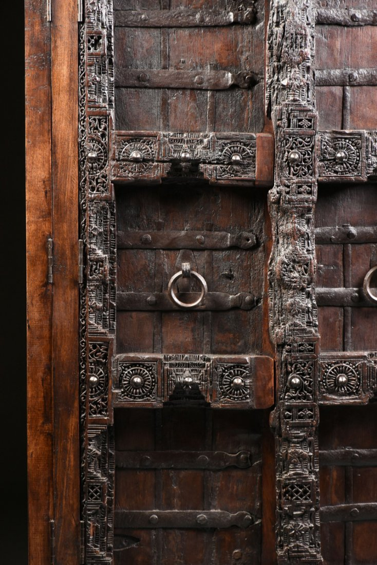 A SPANISH COLONIAL STYLE CARVED WOOD ARMOIRE, 19TH - 3