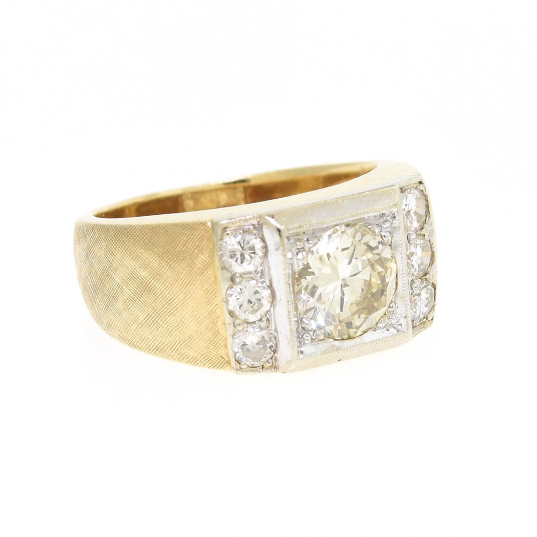 A 14K YELLOW GOLD AND DIAMOND GENT'S RING, - 2
