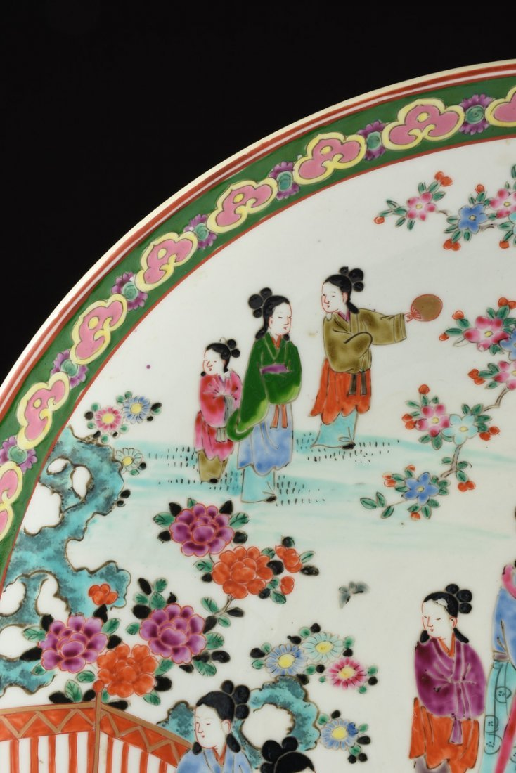 A LARGE JAPANESE POLYCHROME ENAMELED PORCELAIN CHARGER, - 2