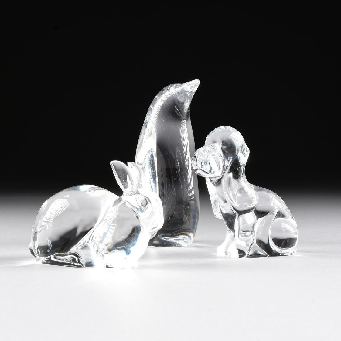 A GROUP OF THREE CRYSTAL FIGURES, MODERN,