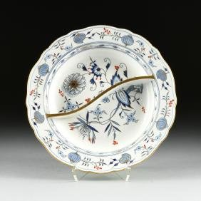 "A MEISSEN PORCELAIN DIVIDED SERVING PLATE IN THE ""BLUE"