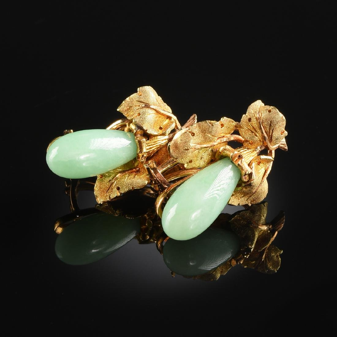 AN 18K YELLOW GOLD AND JADE PAIR OF M. BUCCELLATI