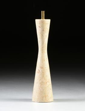 A MID CENTURY MODERN POLISHED TRAVERTINE TABLE LAMP