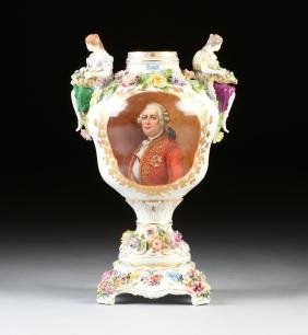 A FRENCH HARD PASTE PORCELAIN VASE ON STAND WITH