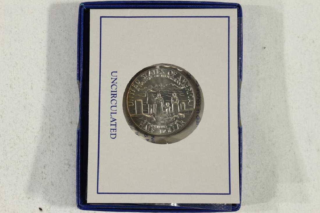 1986-D STATUE OF LIBERTY UNC HALF DOLLAR - 2