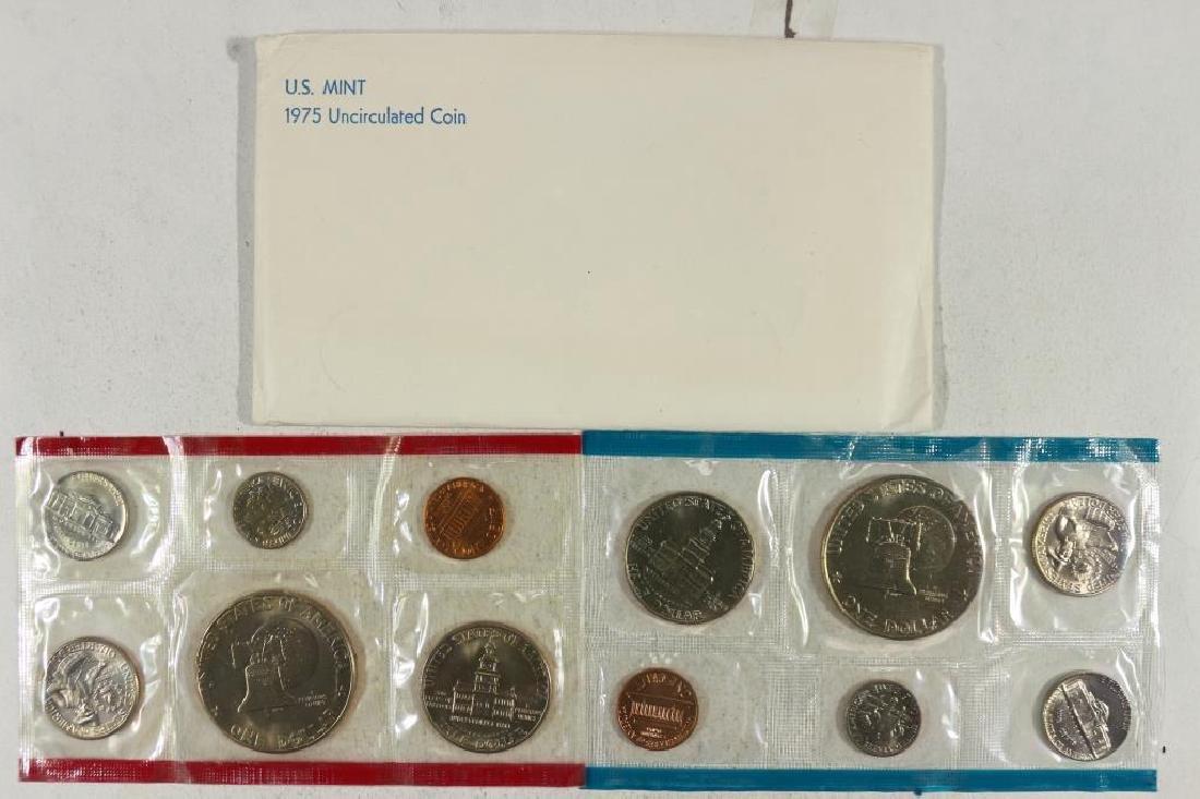 1975 US MINT SET (UNC) P/D (WITH ENVELOPE) - 2
