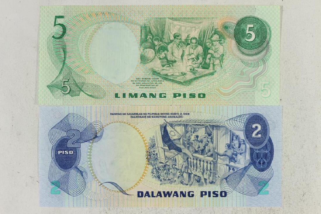 1978 PHILIPPINES 2 & 5 PISO NOTES CRISP UNC - 2
