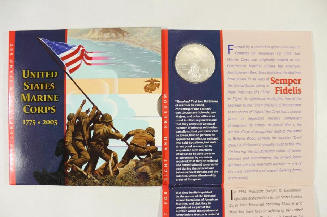 2005 US MARINE CORPS COIN & STAMP SET - 2