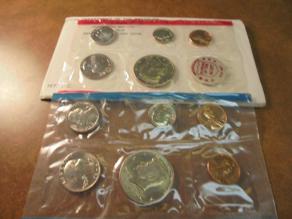 1972 US MINT SET (UNC) P/D/S (WITH ENVELOPE) THIS IS AN