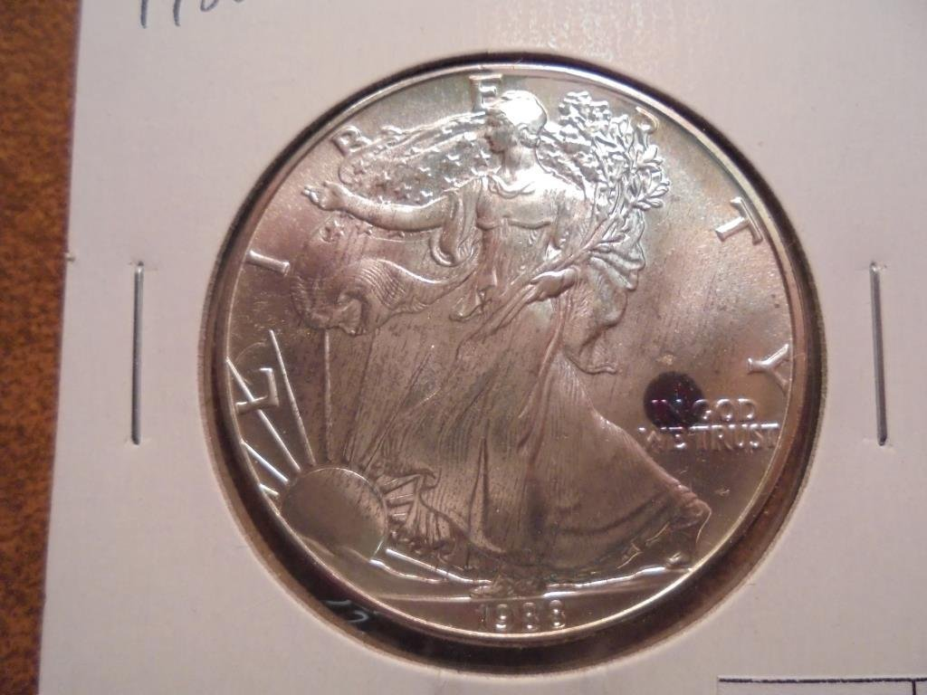 1988 AMERICAN SILVER EAGLE UNC WITH TONING SPOT