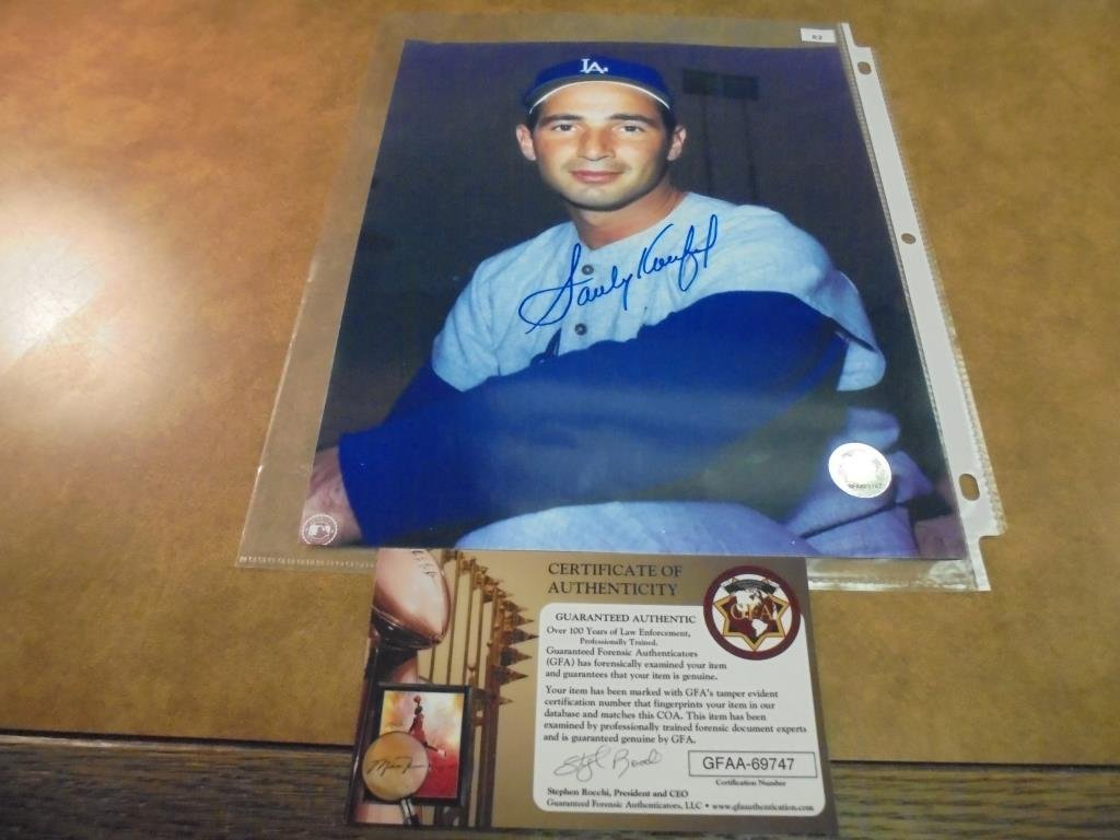 8X10 AUTOGRAPHED PICTURE OF SANDY KOUFAX WITH
