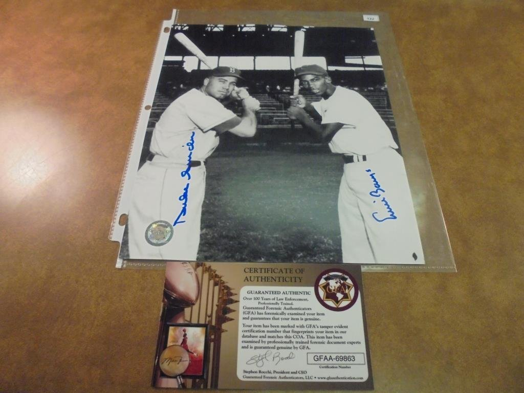 8X10 AUTOGRAPHED PICTURE OF DUKE SNIDER