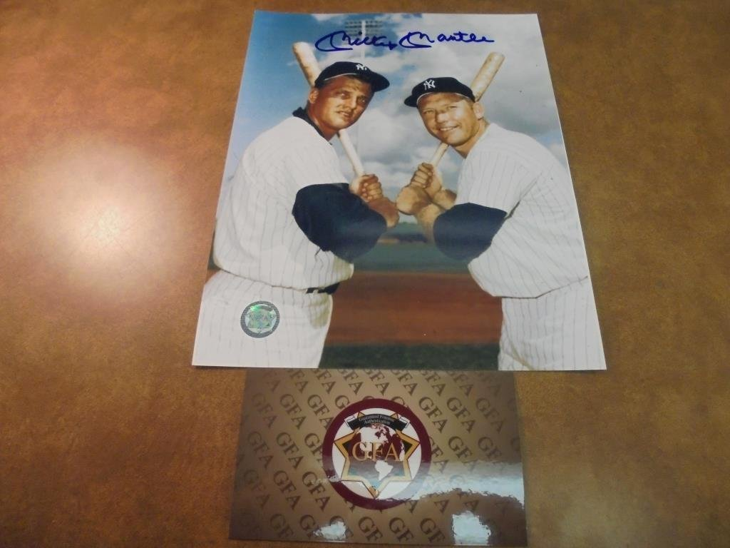 """7 3/4"""" X 10"""" MICKEY MANTLE AUTOGRAPHED PICTURE"""