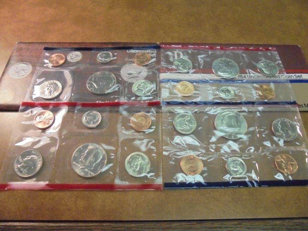 1984 & 1985 US MINT SETS P/D (WITH ENVELOPES)