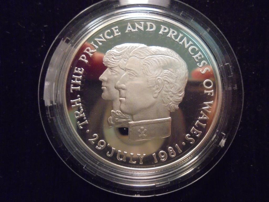 1981 MAURITIUS SILVER PROOF 10 RUPEES