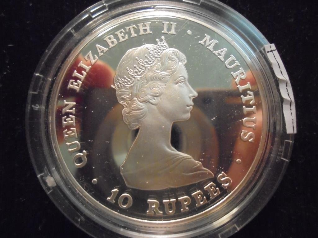 1981 MAURITIUS SILVER PROOF 10 RUPEES - 2