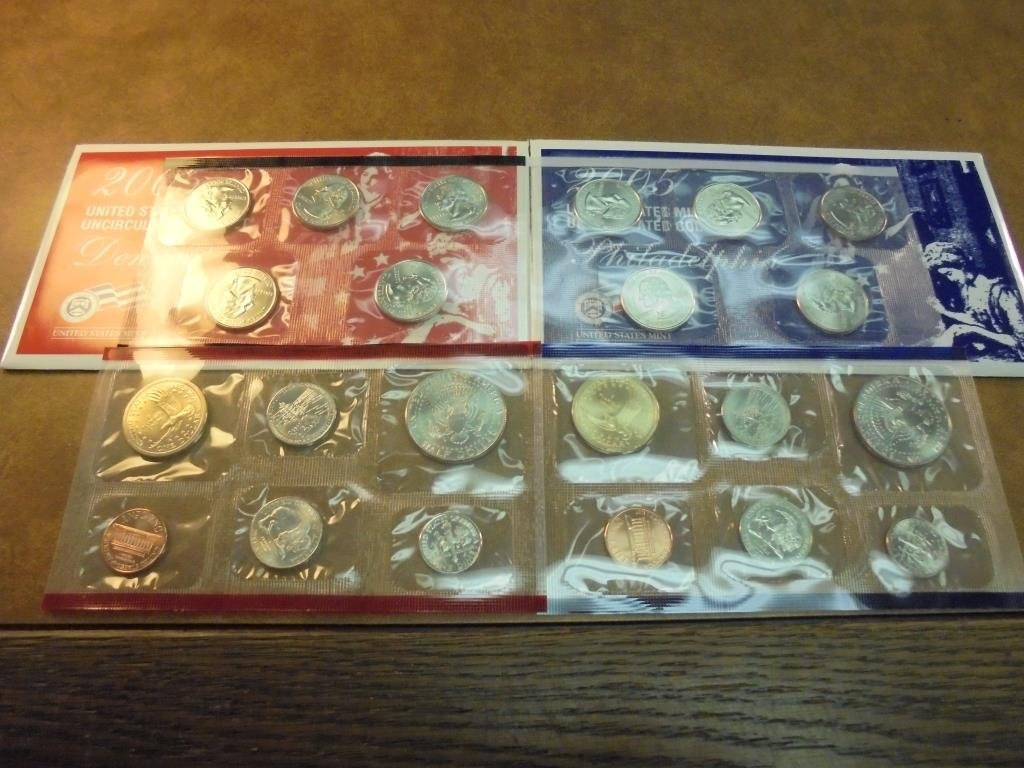 2005 US MINT SET (UNC) P/D (WITH ENVELOPE) - 2